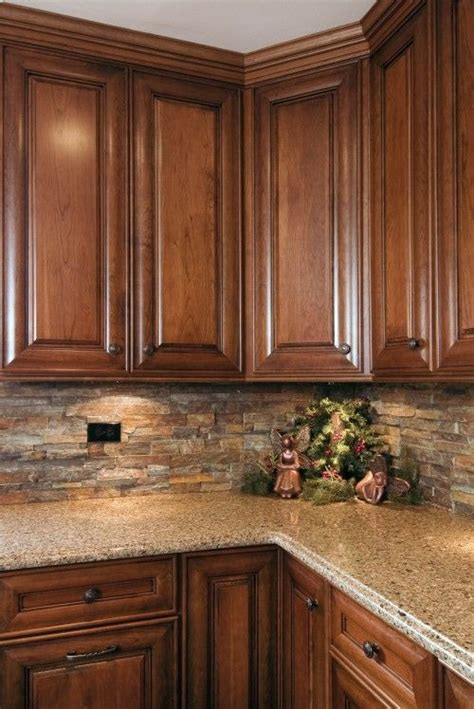 Kitchens With Backsplash by Best 25 Kitchen Backsplash Ideas On Pinterest