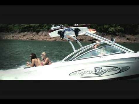 wakeboard boat vs bowrider rinker 226 r1 ski wakeboard boat performance test