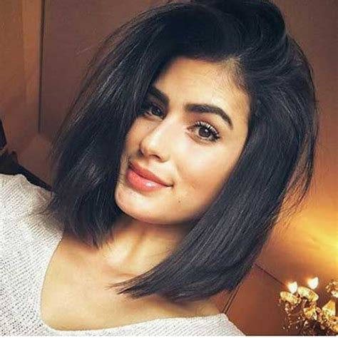 short hairstyles for women with heavy jawline 4 short haircuts for thick hair 2017 medium hair