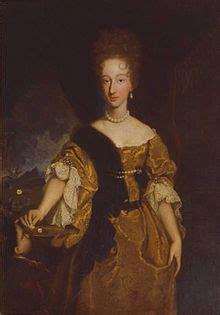Zita Brown Earrings duchess violante beatrice of bavaria