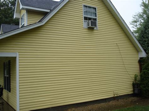 clean siding on house siding cleaning and house washing green goose roof exterior cleaning louisville ky