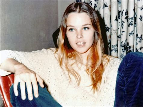 michelle phillips mamas and papas a pop culture addict s guide to life the mamas the papas