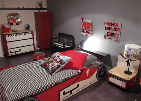 deco chambre enfant voiture les 25 meilleures id 233 es de la cat 233 gorie chambre voiture de