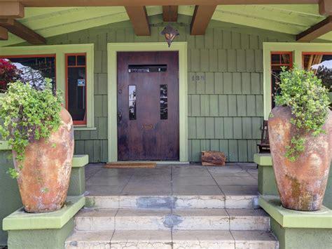 arts and crafts architecture hgtv curb appeal tips for craftsman style homes hgtv