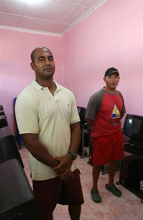 it helps to be the story of chan books bali nine heroin runner myuran sukumaran in picture