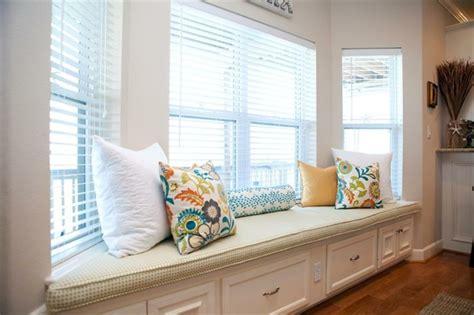 how to decorate a window seat ventanas con asientos cincuenta ideas geniales