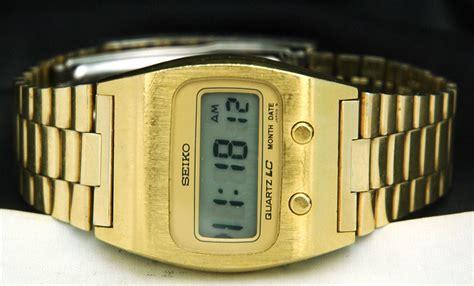 1970s seiko lcd gold bond mens two button