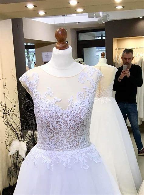 asta bid ona suknia 蝗lubna firmy gala 2018 model asta