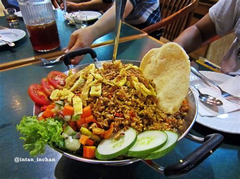 Wajan Nasi Goreng nasi goreng jancuk yang not so jancuk the world as i see it