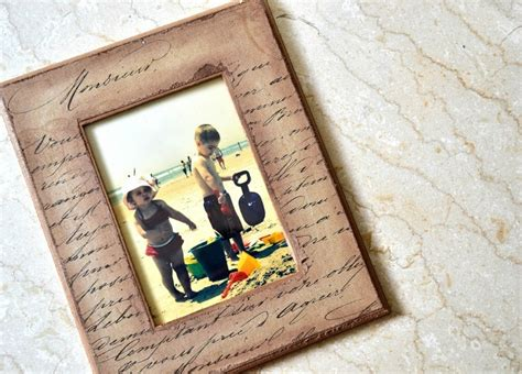 Decoupage Picture Frame - make a gift in 15 minutes decoupage