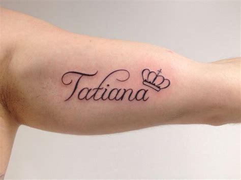 imagenes de tatuajes de nombres para mujeres m 225 s de 10 ideas incre 237 bles sobre tatuajes nombres en