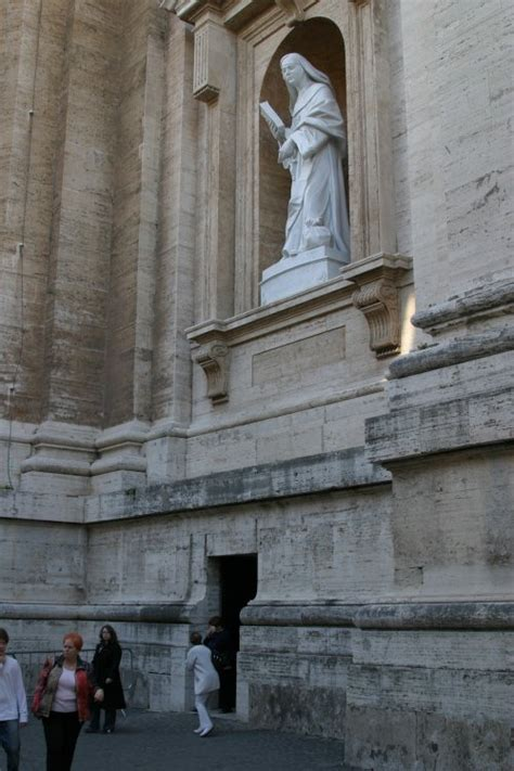 uffici vaticano exclusive rome discovering the vatican necropolis