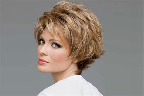short bobsfor women in their 40 haircuts for women in their 40s best haircuts for women