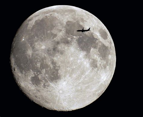 the moon interesting facts about the moon universe today