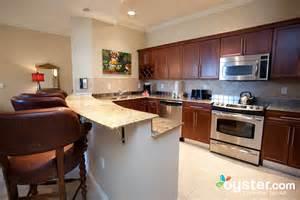 2 bedroom condos kitchen at the two bedroom condo at the emerald grande at harborwalk village oyster com