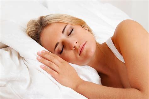 fiori di bach per dormire 10 consigli per dormire bene quando fa caldo riza it
