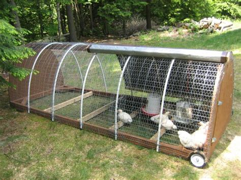 Portable Chicken Coop   Protecting your flock while