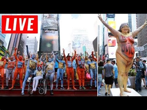 ny live live 24 7 times square in midtown manhattan new