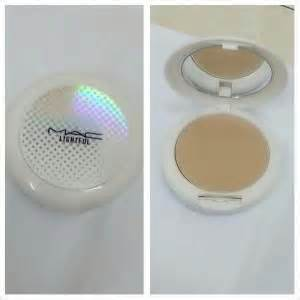 Mac Lightful Compact Powder mac lightful compact powder in the color nc30 price