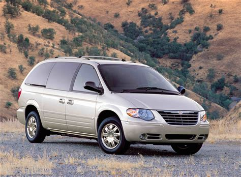 2006 Chrysler Town And Country Reviews by 2006 Chrysler Town Country Review Gallery Top Speed
