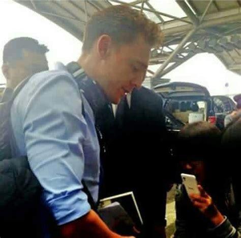T Shirt Best Kong Skull Island Terbaru tom hiddleston filming kong skull island hawaii