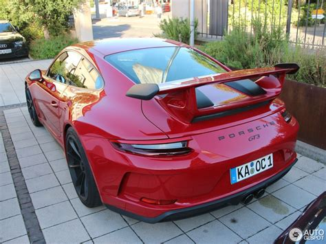 carmine red porsche carmine red 2018 porsche 911 gt3 is a sight for sore eyes