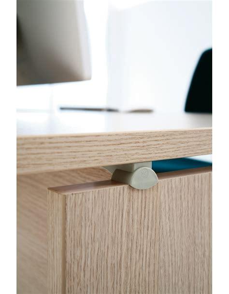 altezza scrivania ufficio scrivania ufficio operativa da cm 180 scrivanie mod 1