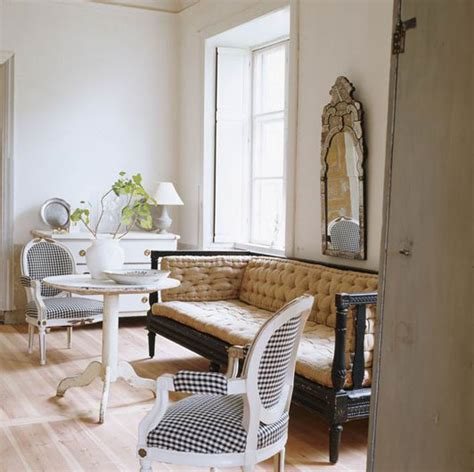 Venetian Home Decor by 11 Beautiful Venetian Mirrors