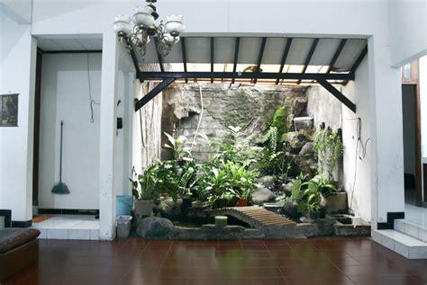 desain mushola kecil di dalam rumah 10 gambar taman dalam rumah ukuran kecil mungil rumah impian