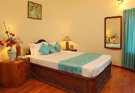 Furnished Room Deluxe Rooms Luxurious Well Furnished Rooms Thekkady