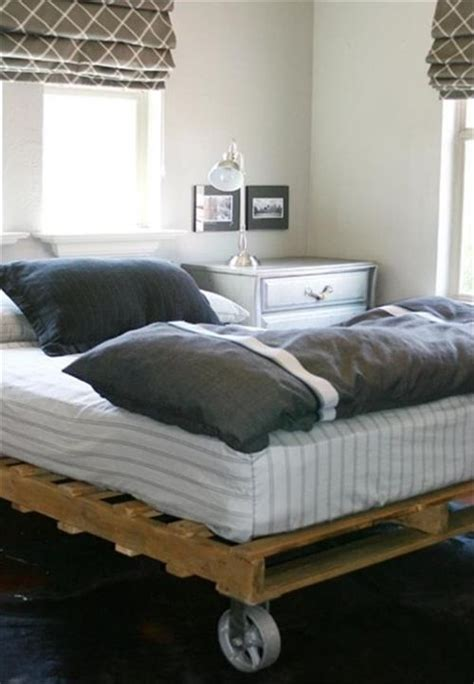 futon on wheels diy pallet bed with wheels pallets designs