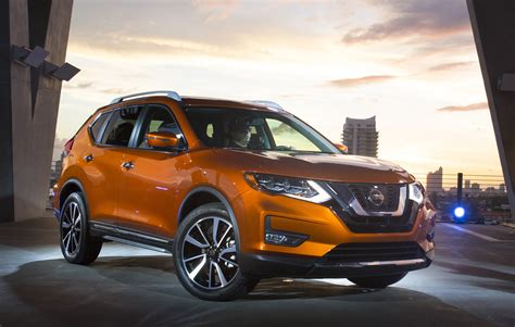 2017 nissan rogue blue 2017 nissan rogue gets hybrid option