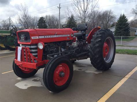 tractor massey ferguson   antique