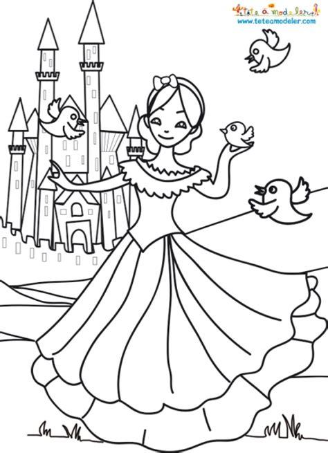 19 Dessins De Coloriage Chateau Princesse 224 Imprimer Coloriage Chevre Imprimer Voir Le Dessin L