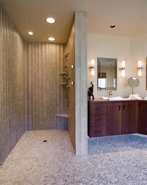 doorless curbless tile shower with river rock floor and typical size for doorless shower