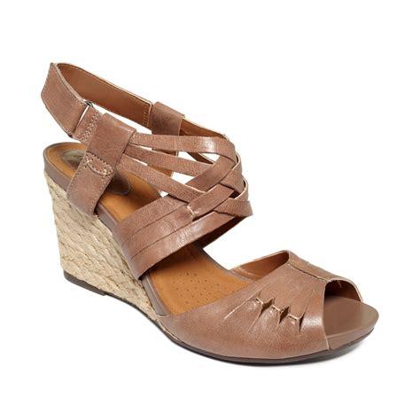 clarks wedge sandal clarks artisan kyna smart wedge sandals in black lyst