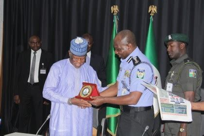 police and customs seek collaboration to curb country's