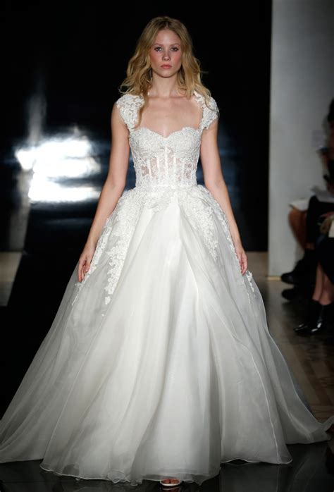 The Latest Reem Acra Wedding Dress Collections   Arabia