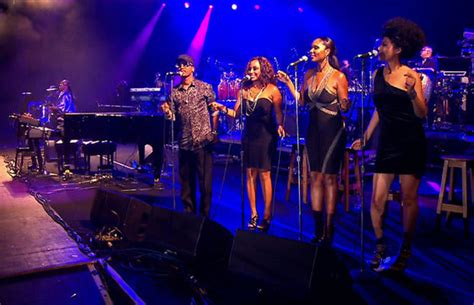 background singers backup singers come to the fore photo 1 pictures cbs
