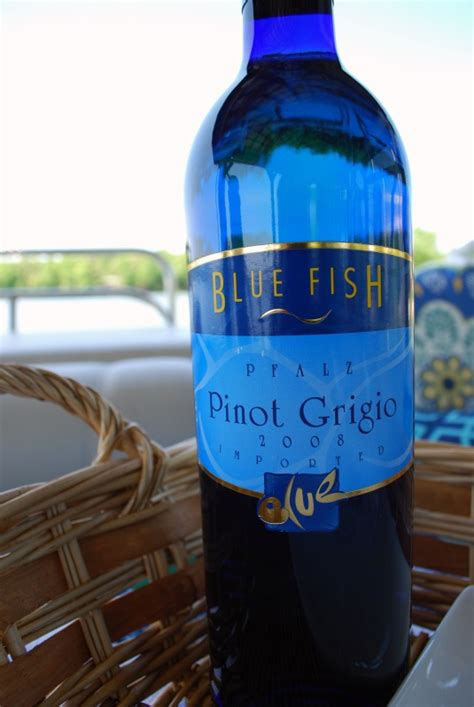 Happy Hour Black Dress Pinot Grigio by 53 Best Images About Vino On Ontario Bottle