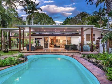 coolamon avenue mullumbimby nsw  house  sale