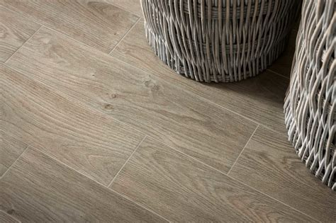 pavimenti iperceramica effetto legno stanza da bagno bologna di iperceramica