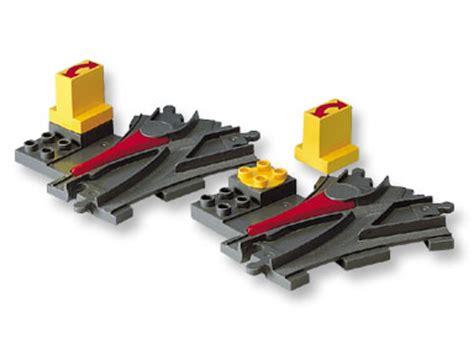 Lego 2736 Duplo Switching Track lego duplo weiche grau dunkelgrau eisenbahn stellstein aus