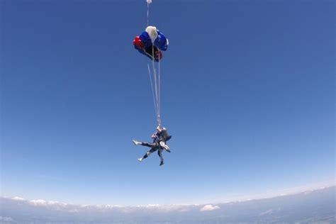 Apco Reserve Parashut Cadangan Tandem how safe is tandem skydiving skydive orange