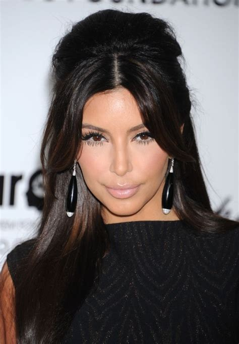 kim kardashian half up half down hairstyles kim kardashian style half up half down hair pinterest
