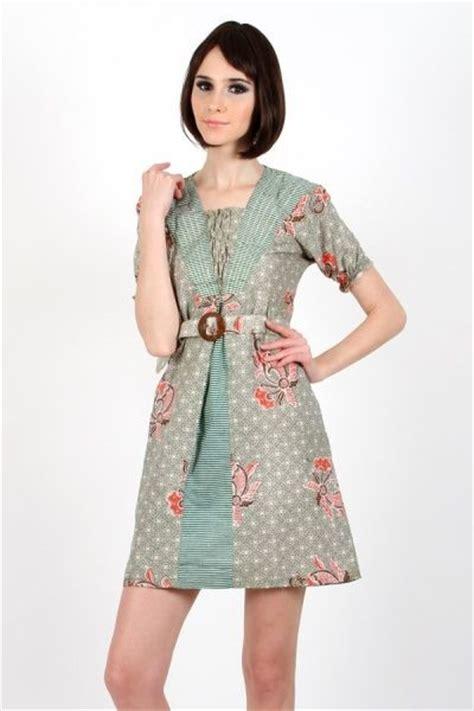 Dress Batik Wanita Ungu dress batik wanita dengan kain katun lebih nyaman dalam aktivitas model dress batik modern