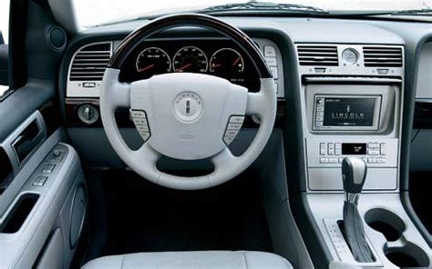 2004 lincoln navigator ultimate 4x4 front interior view