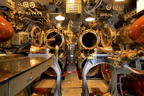 torpedo room file uss bowfin torpedo room jpg wikimedia commons