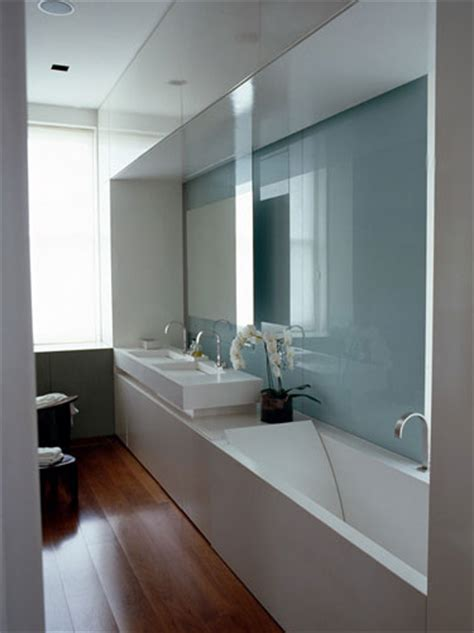 Narrow Bathrooms by Tackling Narrow Bathroom Layouts Livinghouse