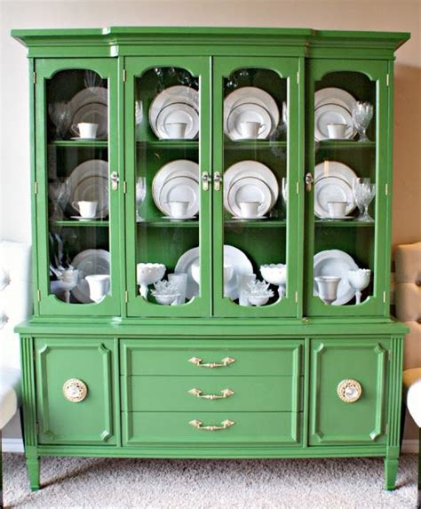 Display Dishes In China Cabinet by 25 Best Ideas About China Cabinet Display On